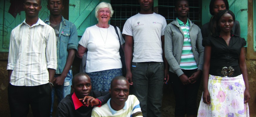 Karibuni Alumni with Rev. Maureen Jones